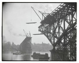 Ross Island Bridge under construction