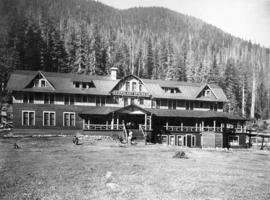Skykomish River Scenic Hot Springs Hotel