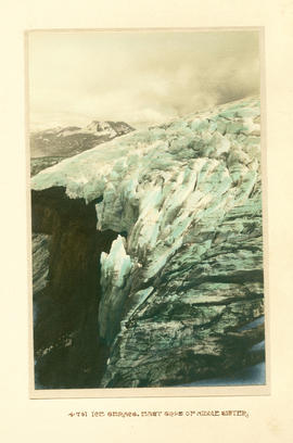 Ice seracs, east side of Middle Sister