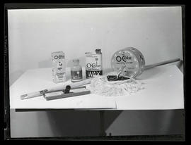 Display of O-Cedar polish and wax products