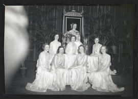 Group portrait of Portland Rose Festival queen and court