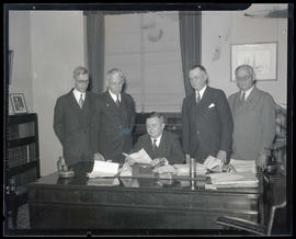 Portland Mayor Joseph K. Carson and four unidentified men at City Hall