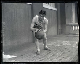 Duncan, basketball player for Multnomah Amateur Athletic Club