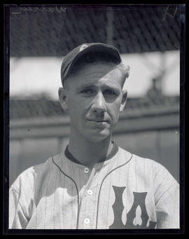 Warren, baseball player for Los Angeles