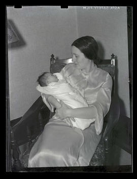 Myrtle Carson, wife of Portland Mayor Joseph K. Carson, holding baby daughter