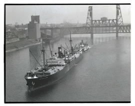 Jefferson Myers on Willamette River near Steel Bridge