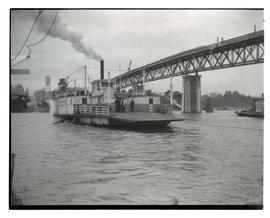 Sellwood ferry and Sellwood Bridge