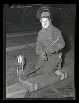 Pat Mulligan, welder at Albina Engine & Machine Works, Portland