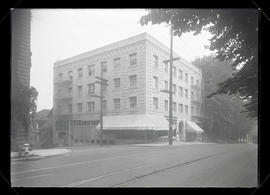Hillcrest Hotel, Lucretia and Washington streets, Portland