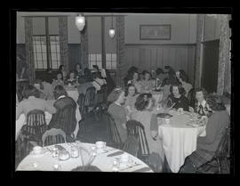 Marylhurst College students eating meal, 1944?