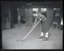 Frances Morgan, hockey player