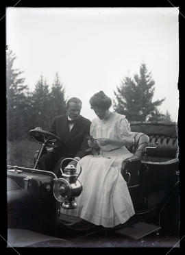 Herman and Maud Bohlman wedding portrait